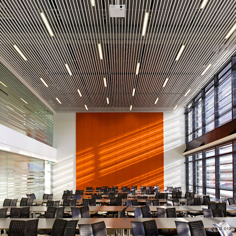 Linear panel ceiling